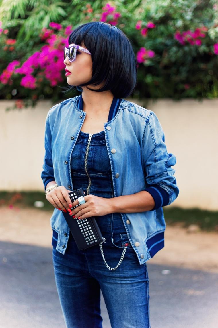 Taglio corto dietro e lungo davanti, donna con frangia, capelli di colore nero