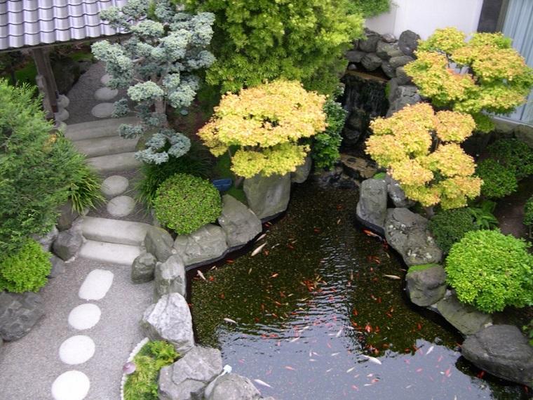 giardini-con-sassi-laghetto-pesci