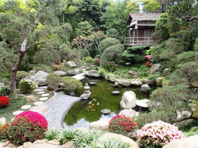 giardini-con-sassi-laghetto-stile-giapponese