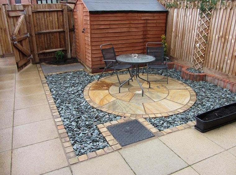 giardini-con-sassi-piccolo-patio