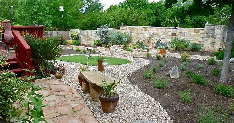 giardini-con-sassi-spazio-ampio