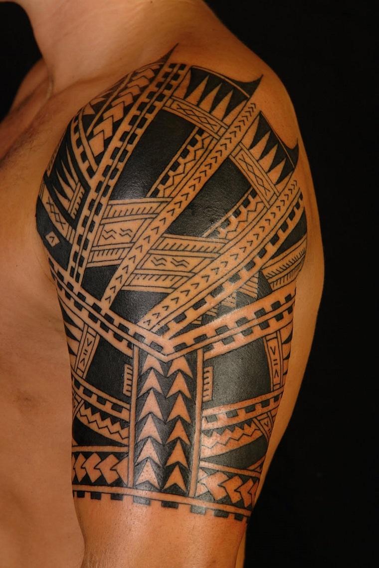 maori-tattoo-idea-parte-alta-braccio