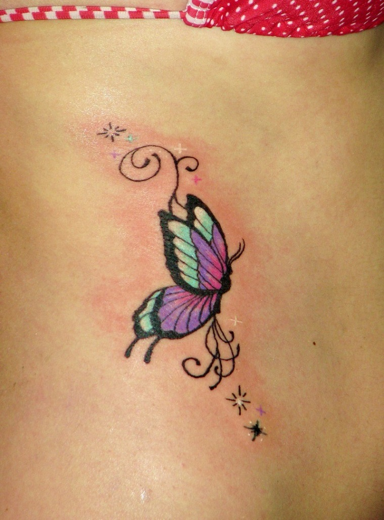 tattoo piccoli-idea-farfalla-colorata