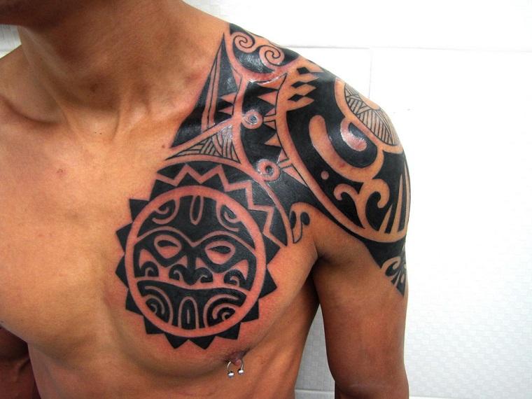 tatuaggi maori-idea-petto-spalla
