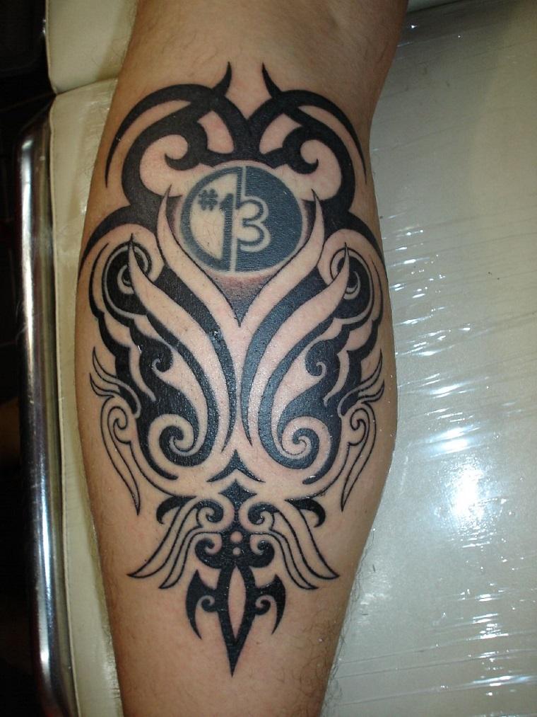 tatuaggio,maori,disegno,perfetto,polpaccio