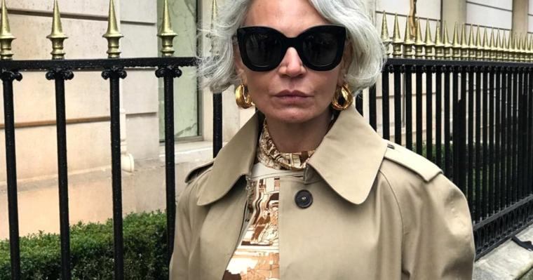 Donna con capelli bianchi, taglio pari caschetto