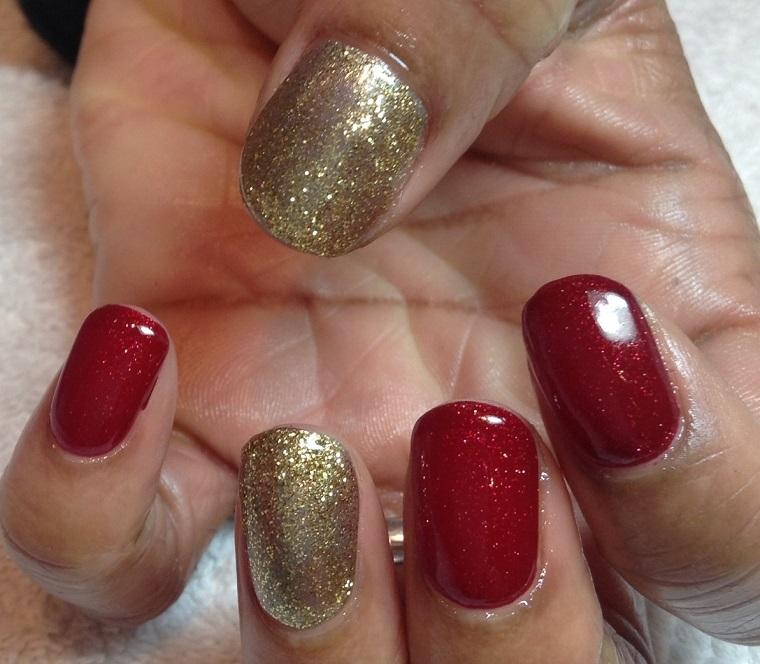 unghie-di-natale-rosso-oro