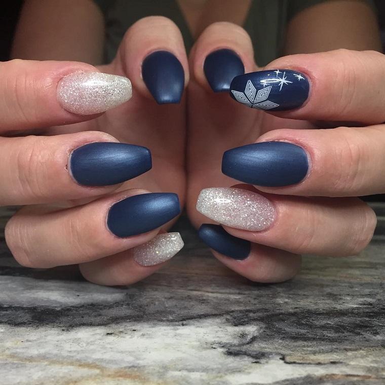 unghie natalizie-blu-opaco-argento