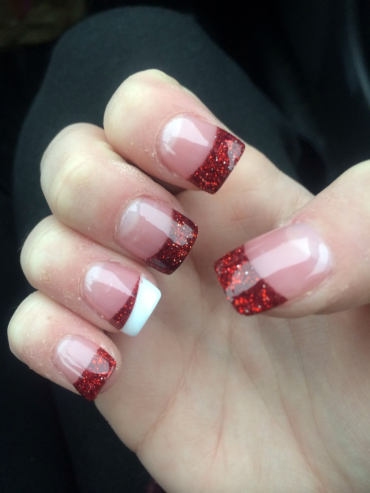 unghie natalizie-french-rossa-glitterata