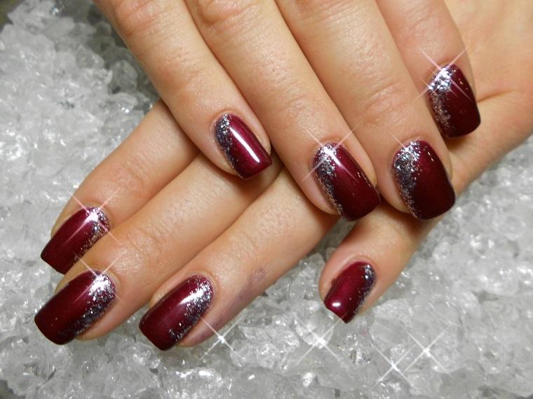 unghie natalizie-rouge-noir-decorazioni-brillanti
