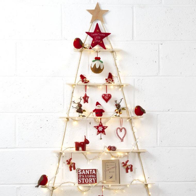 alberi di natale particolari-corda-decorazioni-rosse