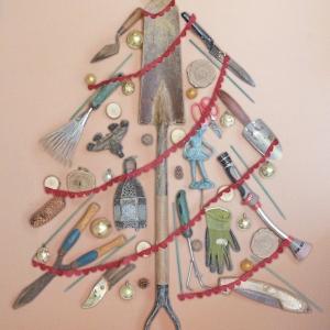 Alberi di Natale particolari: la tradizione si trasforma con originalità