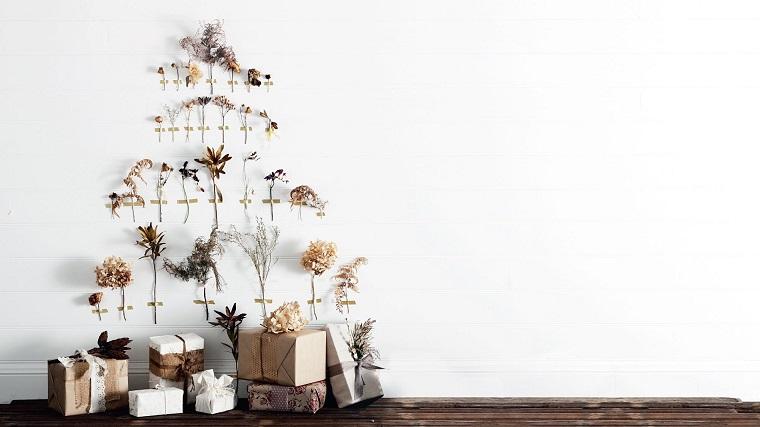 alberi-di-natale-particolari-tanti-fiori