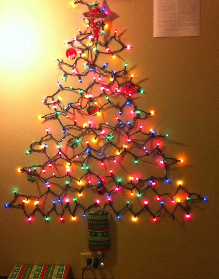 albero-di-natale-particolare-fili-luci