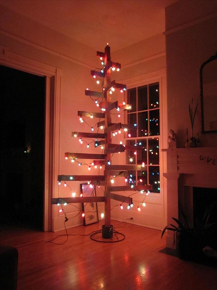 albero-di-natale-particolare-legno-luci