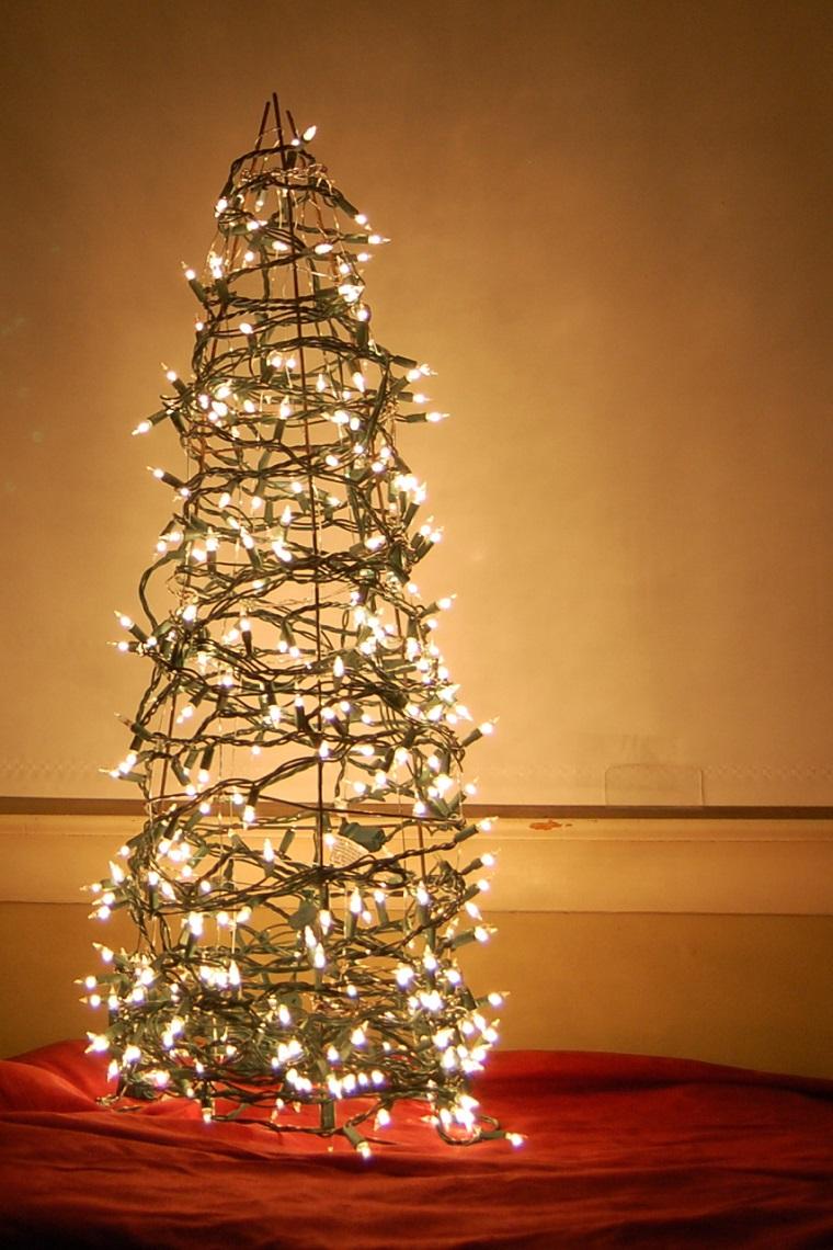 albero-di-natale-particolare-luci-spirale