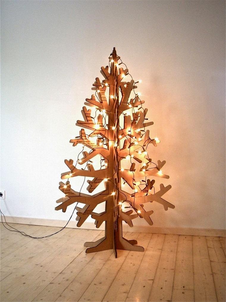 albero-di-natale-particolare-struttura-legno