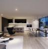 arredamento-salotto-moderno-colori-neutri-grande-vetrata