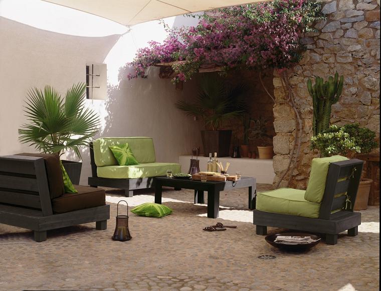 Arredare il terrazzo ecco come ricreare un 39 oasi di relax for Poltrone da terrazzo