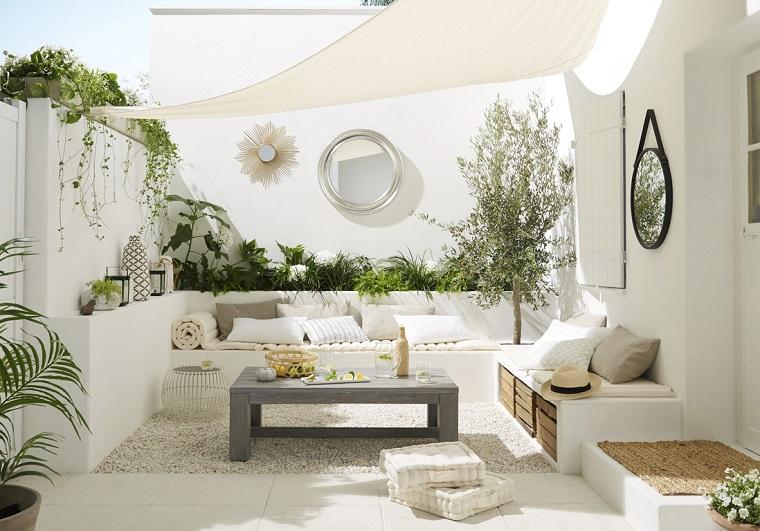 Arredare il terrazzo ecco come ricreare un 39 oasi di relax for Arredare terrazzo