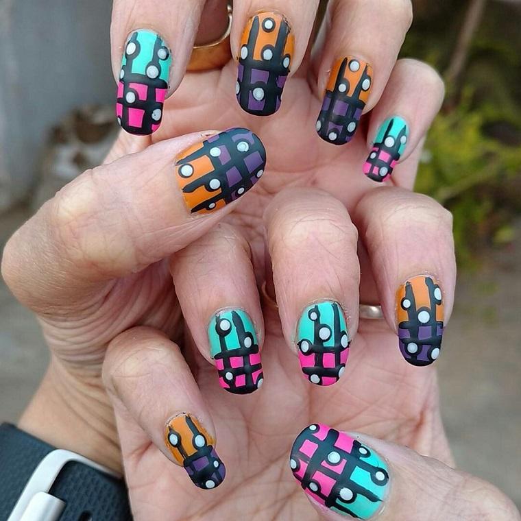 colori-unghie-disegno-gabbia-smalto-matte