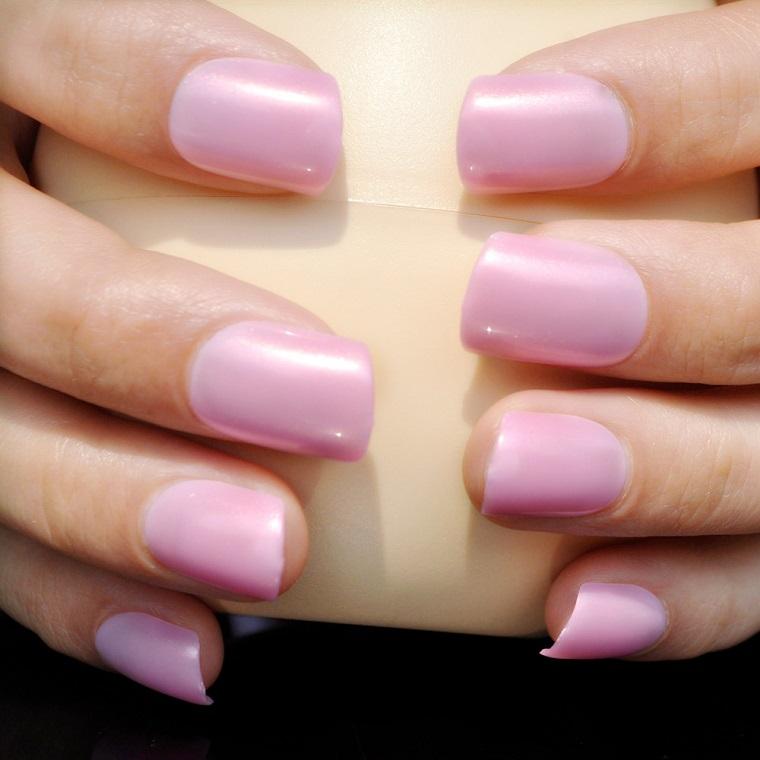 colori-unghie-idea-rosa-confetto