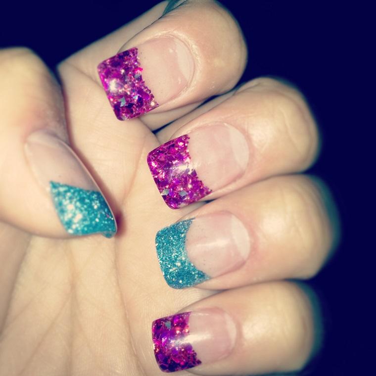 colori-unghie-proposta-french-glitterata