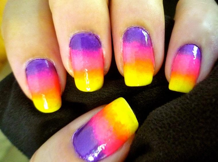 colori-unghie-tre-nuance-estive