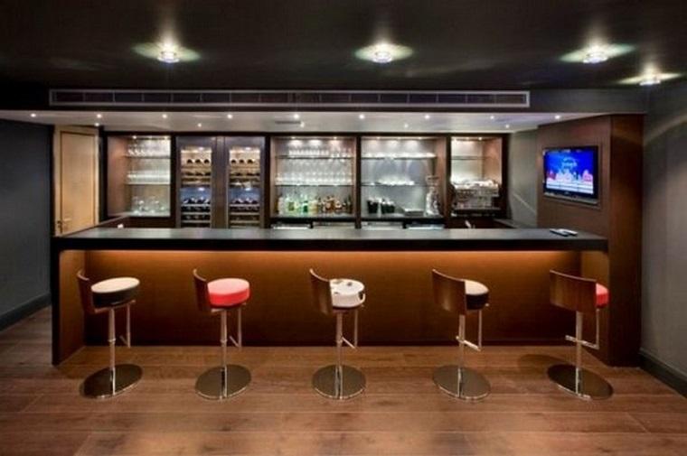 come-arredare-una-taverna-zona-bar
