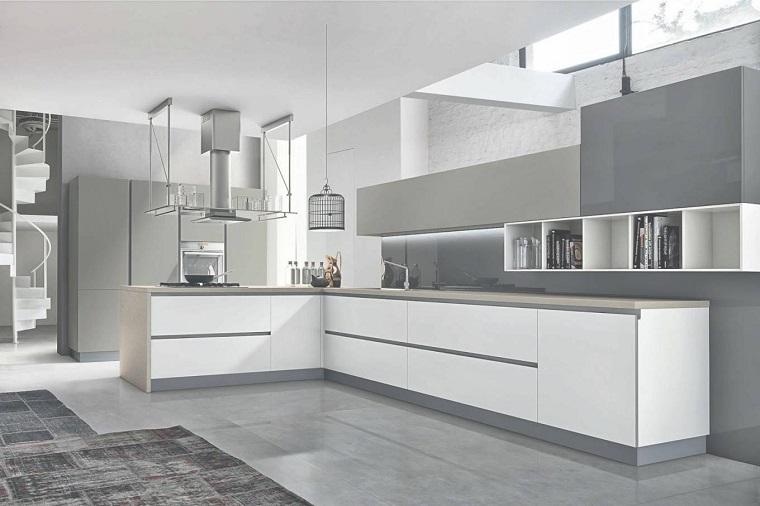 https://archzine.it/wp-content/uploads/2017/08/cucine-ad-angolo-moderne-mobili-bianchi-grigi.jpg