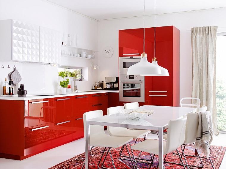 cucine-ad-angolo-moderne-mobili-rossi-laccati