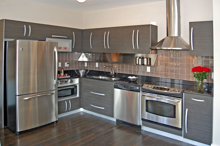 cucine moderne ad angolo-elettrodomestici-dettagli-acciaio