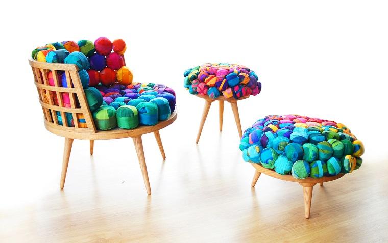 decorazioni casa-tavolo-sedie-palline-carta