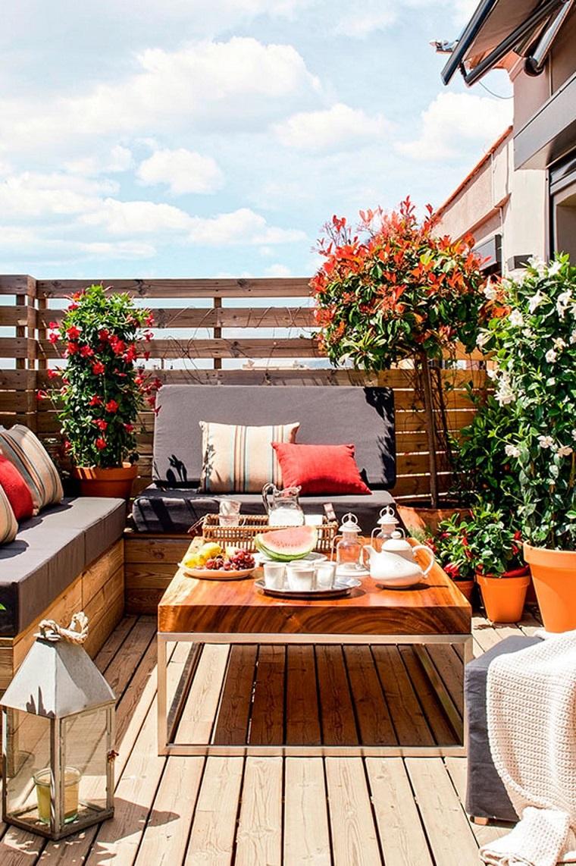 Balconi fioriti un 39 esplosione di mille colori e profumi for Fiori da balcone perenni