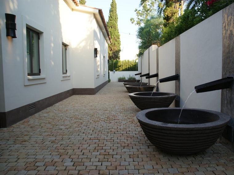 fontane-per-esterno-design-essenziale