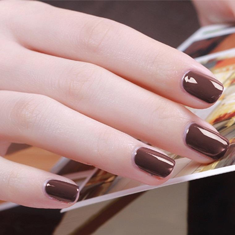 gel-manicure-colore-moda-autunno