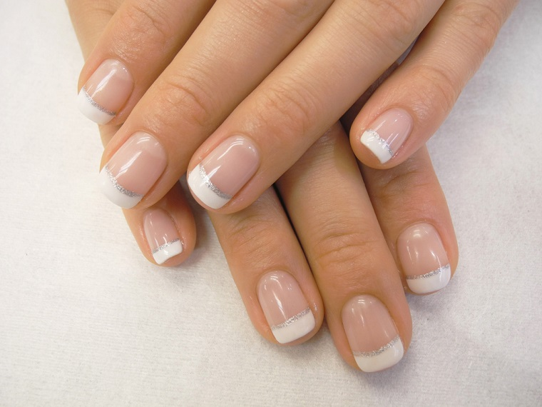 gel-manicure-french-glitter