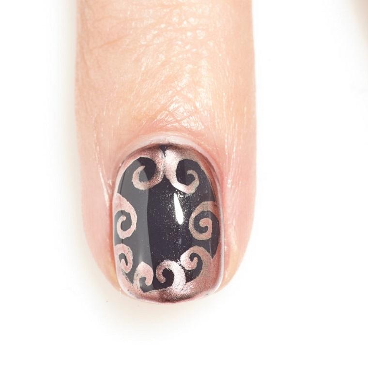 gel-manicure-nero-argento