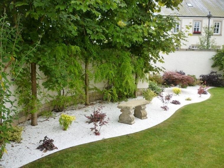 ghiaia per giardino-bianca-vialetto