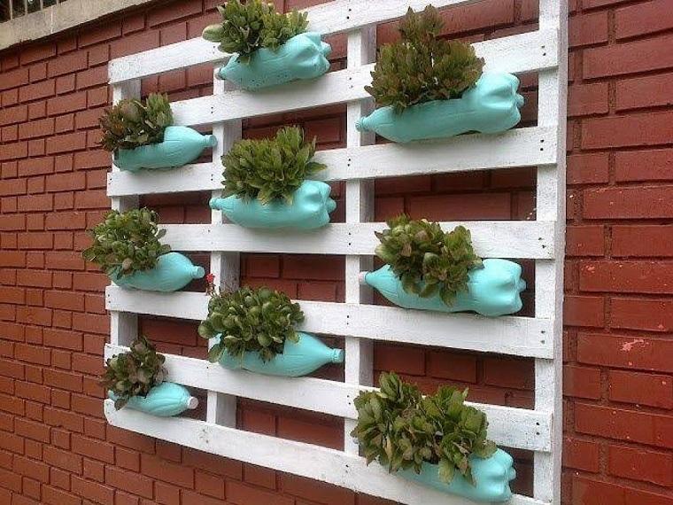 idee-fai-da-te-giardino-pallet-bottiglie