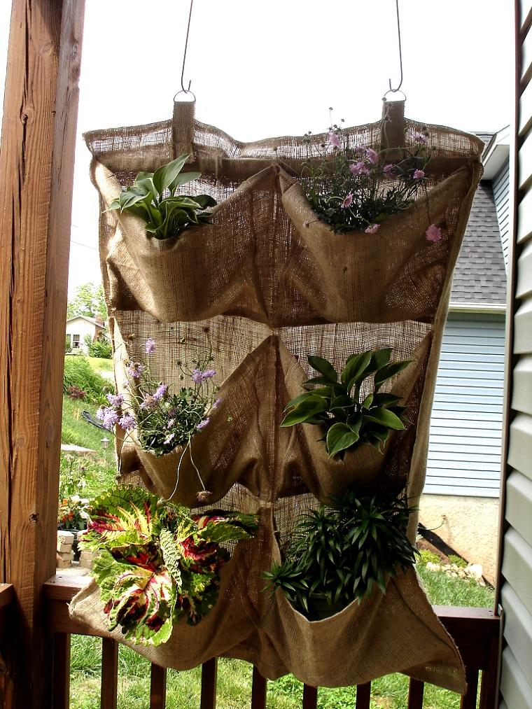 Idee fai da te giardino lo spazio esterno si veste di for Giardino fai da te