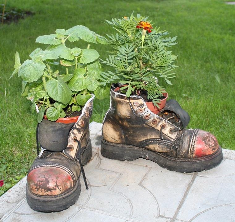 Idee fai da te giardino lo spazio esterno si veste di for Idee design fai da te