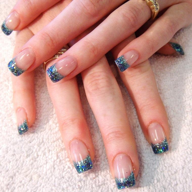 nail art gel-brillantini-azzurri