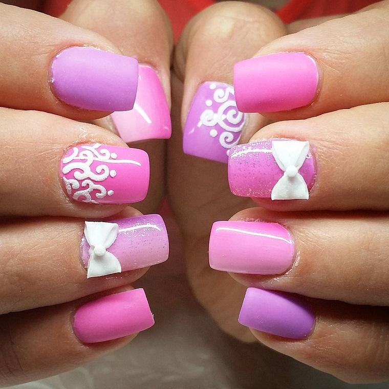 nail-art-gel-lilla-decorazioni-bianche
