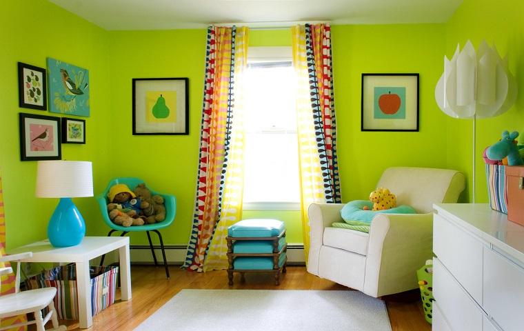 pareti-colorate-verde-acceso-soggiorno