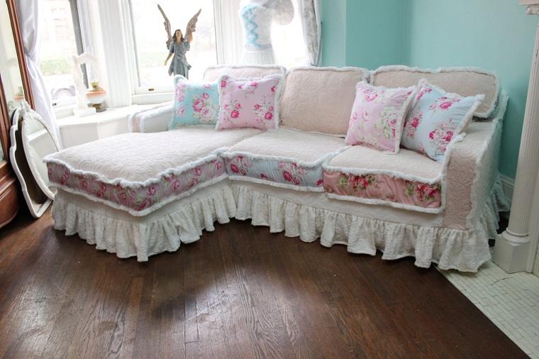 shabby chic-divano-fantasia-fiori