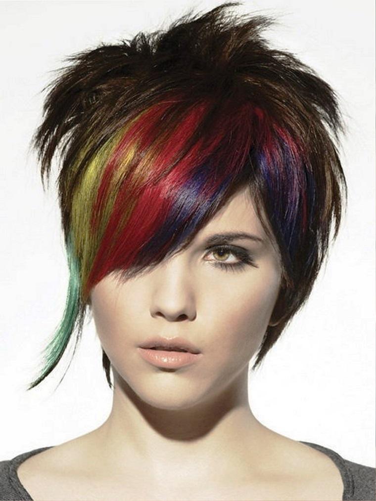 taglio capelli corti-ciuffo-arcobaleno