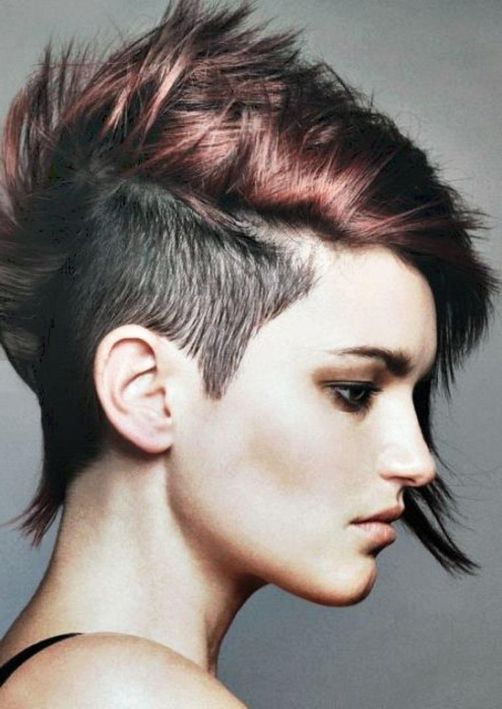 taglio-capelli-corti-proposta-punk