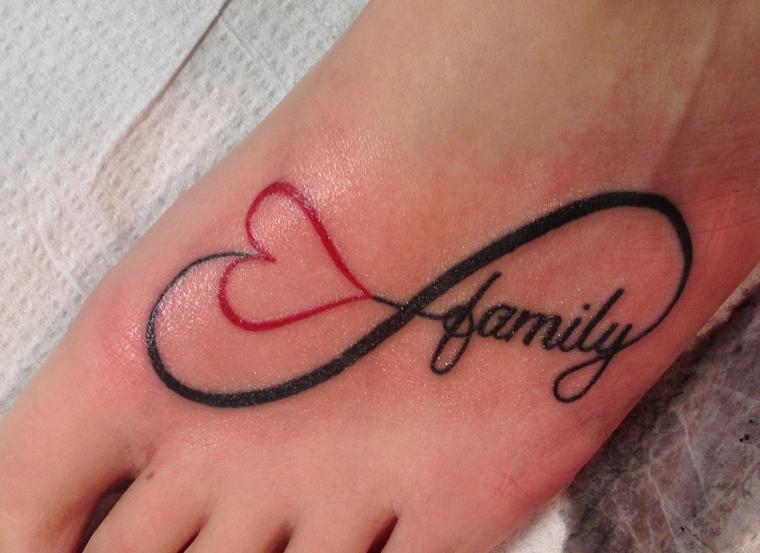 tatuaggi-infinito-collo-piede