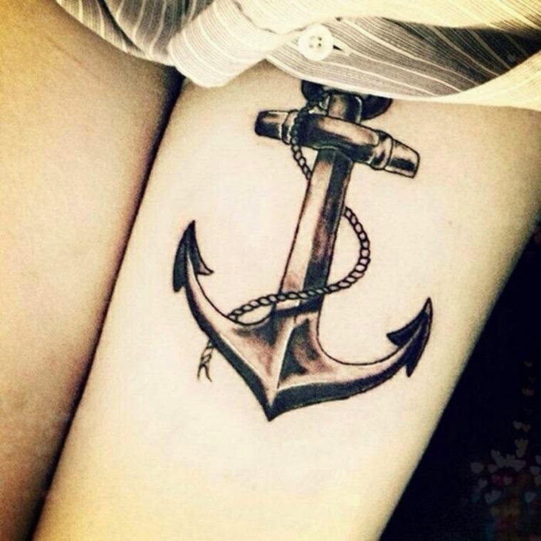 tatuaggio-ancora-tradizionale-bianco-nero